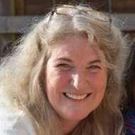 Maya De Vries